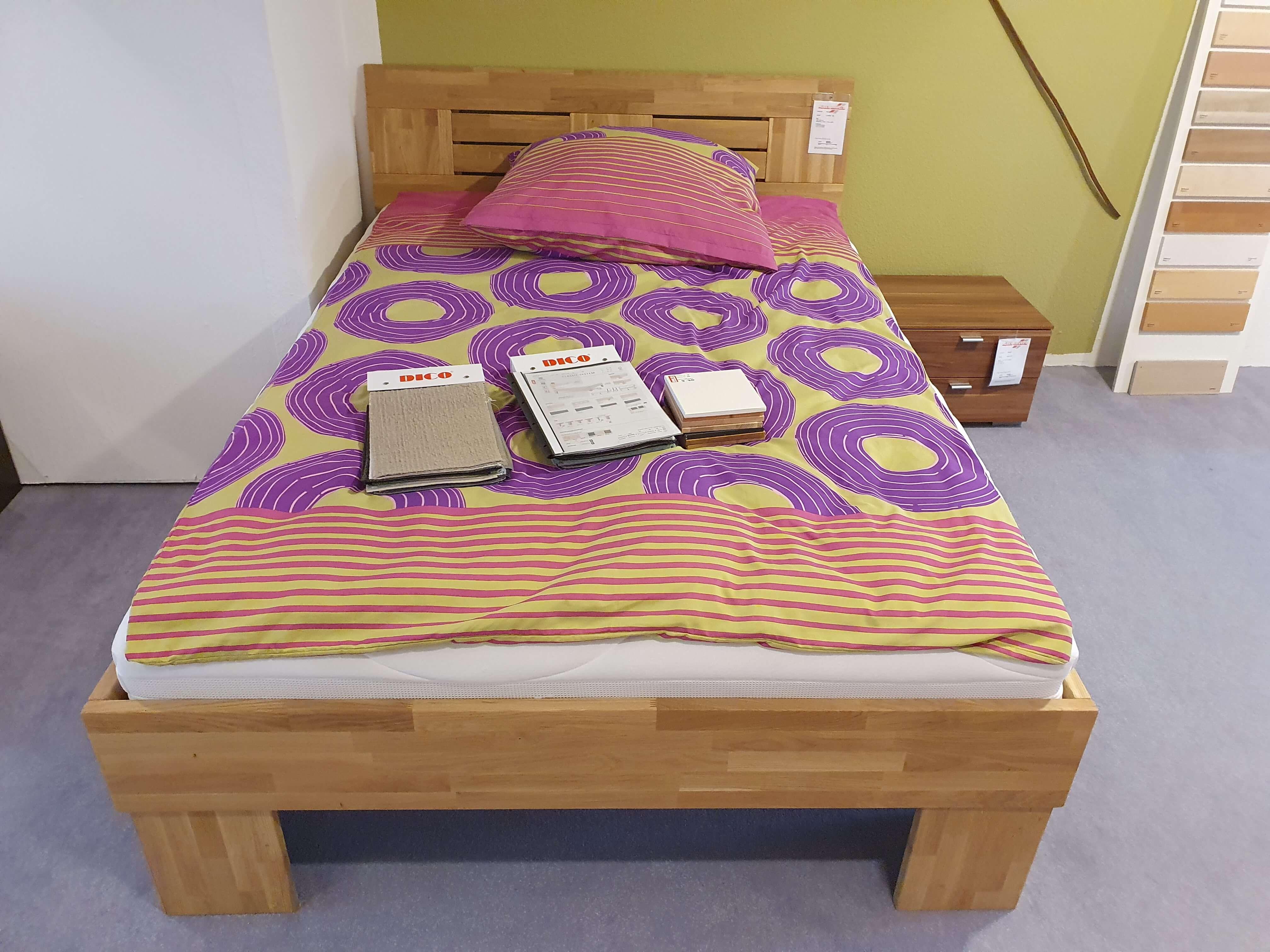 CLASSIC  325 Bett    Wildeiche massiv honig geölt    Liegefläche 140 x 200 cm