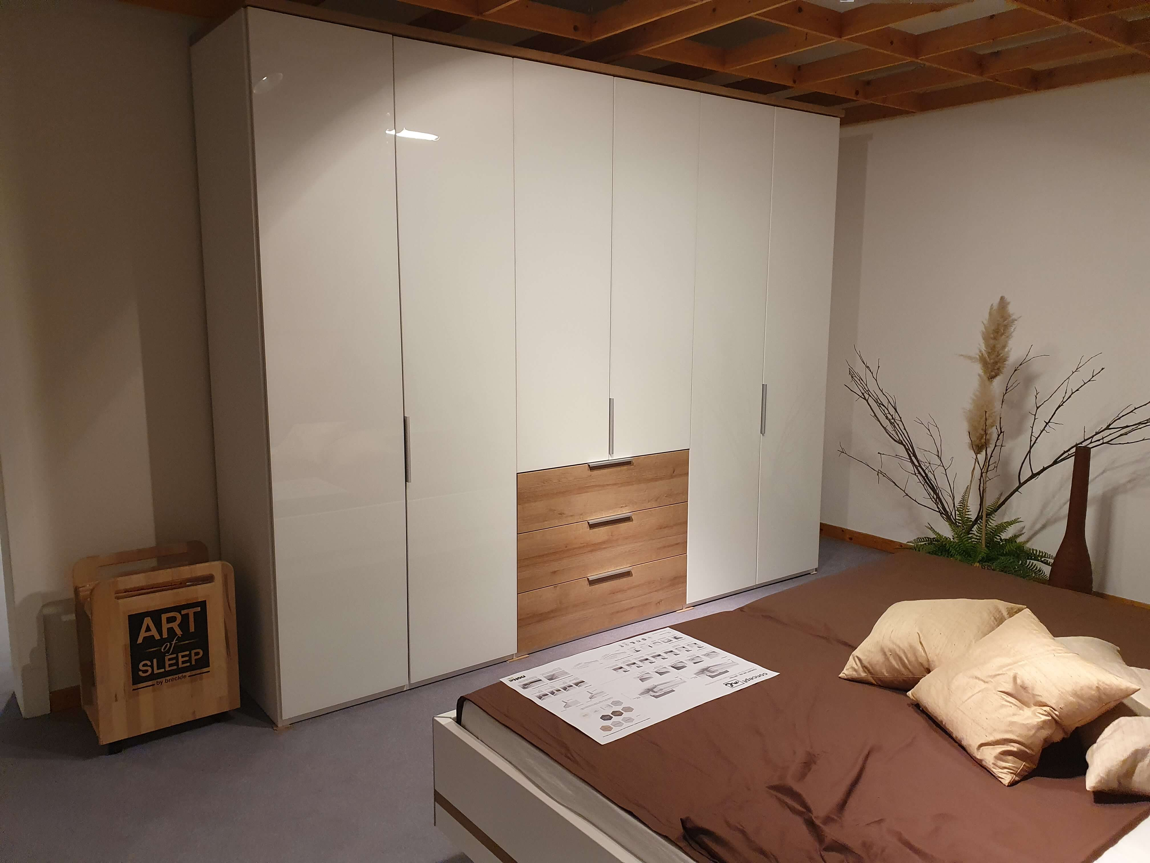 CONCEPT  ME  500/200 Schlafzimmer Weiß Eiche Riviera Nachbildung Kleiderschrank Bettanlage