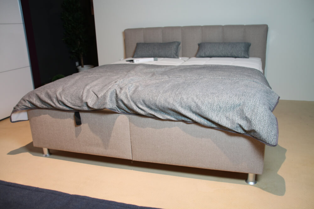 EASY - Polsterbett  mit Bettkasten