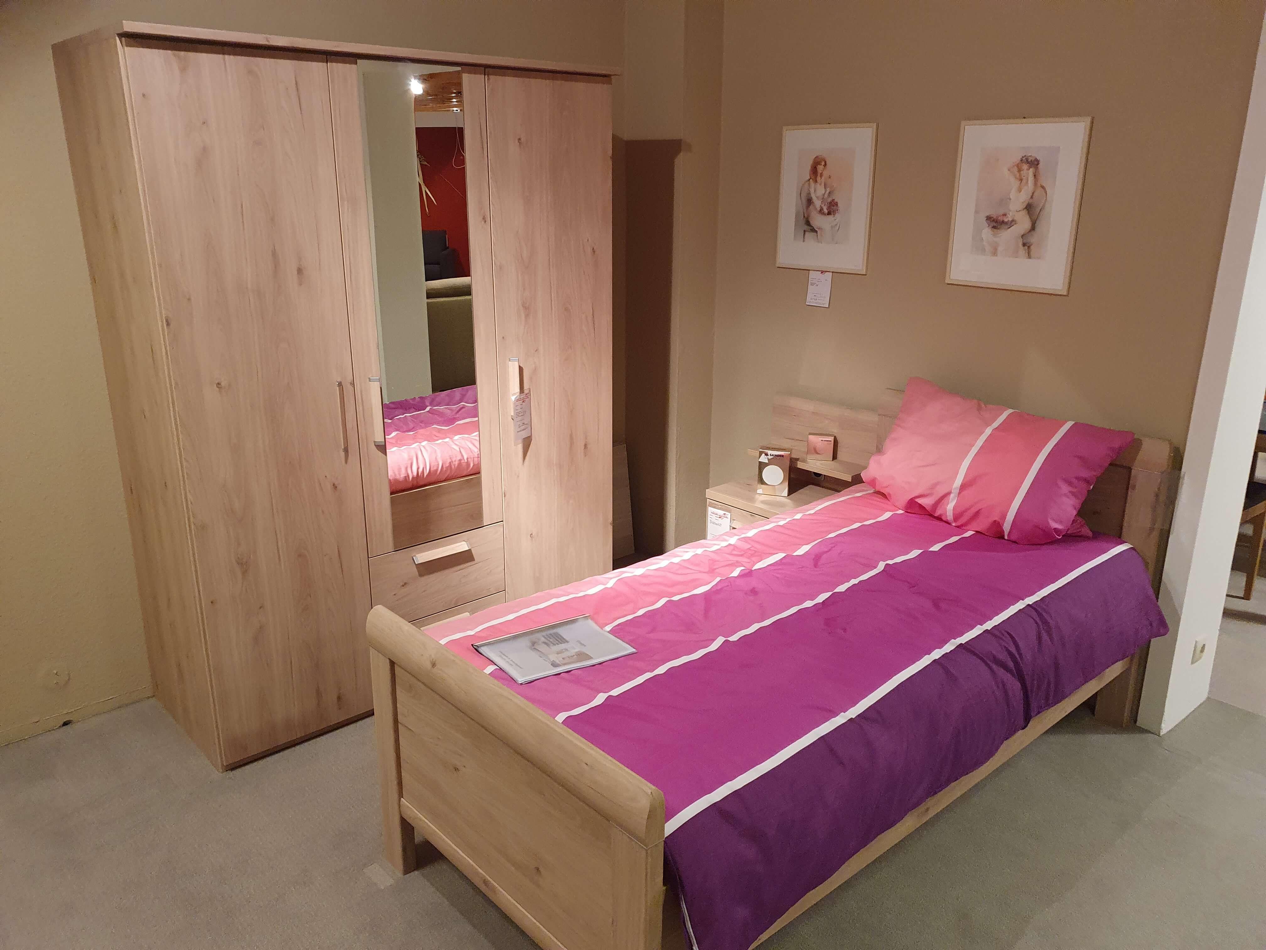 EVELYN Schlafzimmer Einzelzimmer Kleiderschrank Bett Nachtkonsole