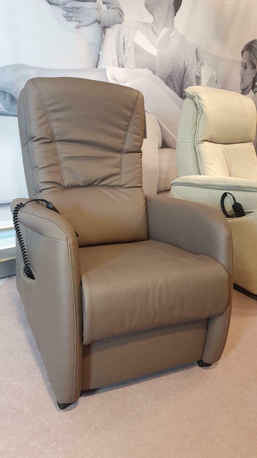 AP02 - TV Relaxsessel motorisch in Leder