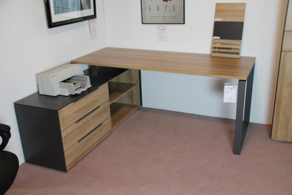1523 - 65 RA Schreibtisch